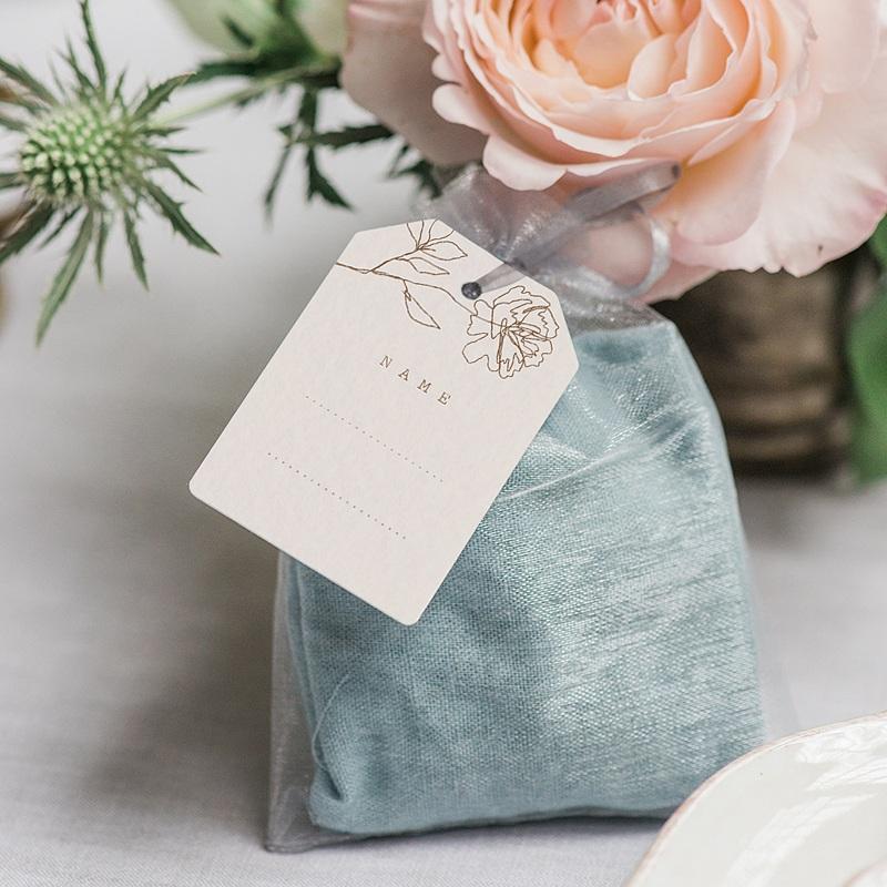 Tischkarten Hochzeit Pfingstrose als Silhouette, Gast gratuit