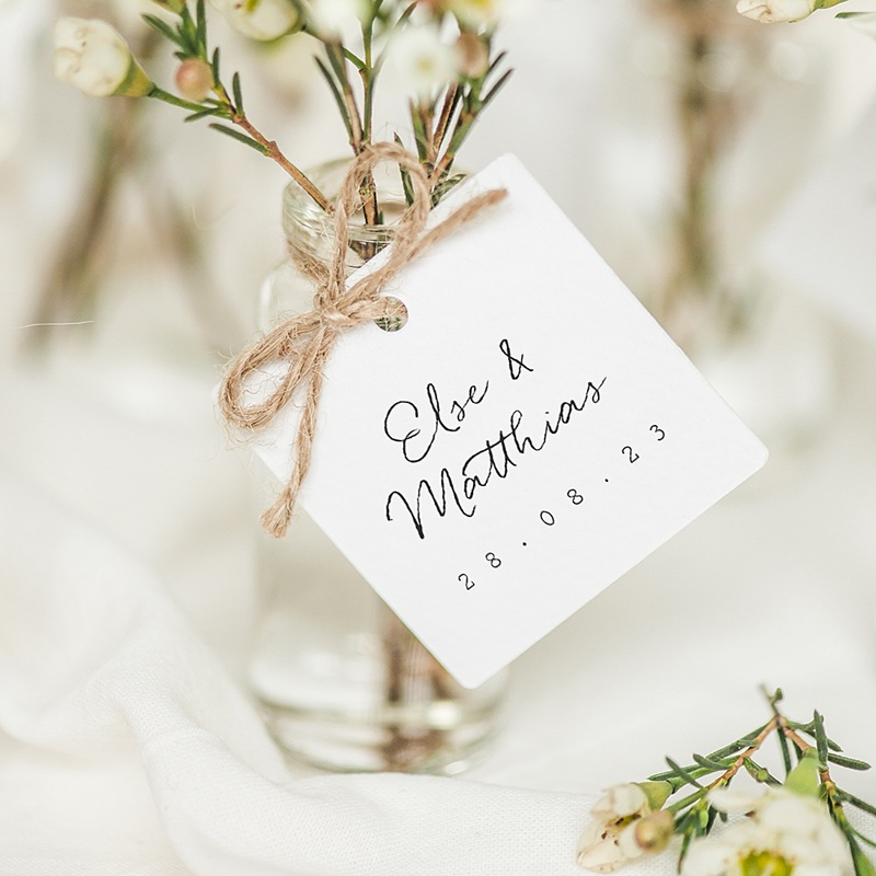 Geschenkanhänger Hochzeit Roter Blumenstrauß, 4 x 6 cm